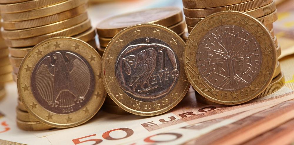 الجنيه الإسترليني يواصل الانخفاض مقابل اليورو