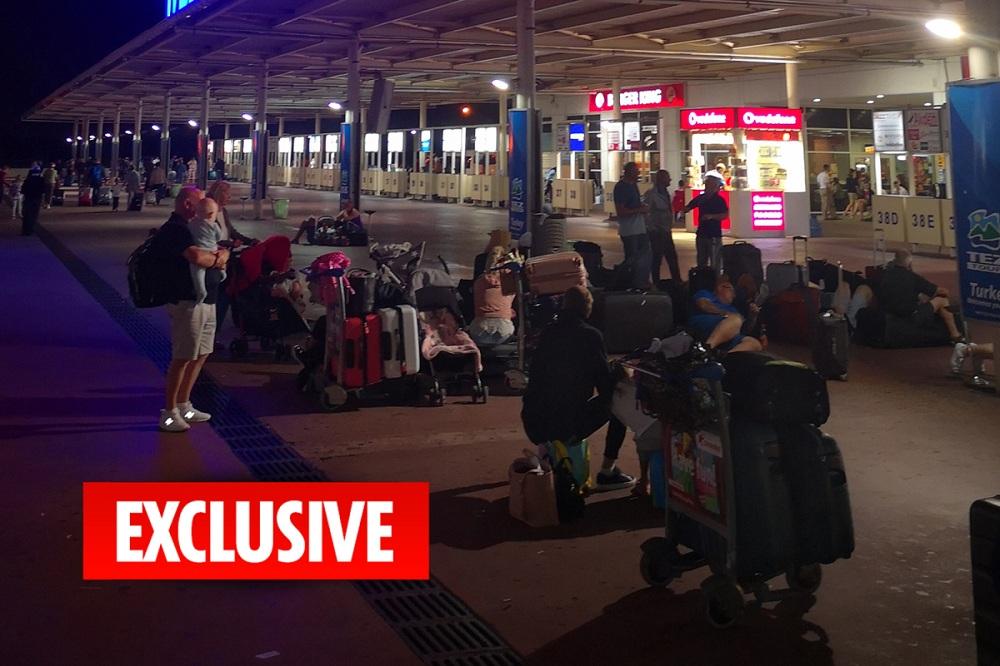 """السياح البريطانيون في تونس """"رهائن"""" بسبب الخوف من انهيار """"توماس كوك"""""""