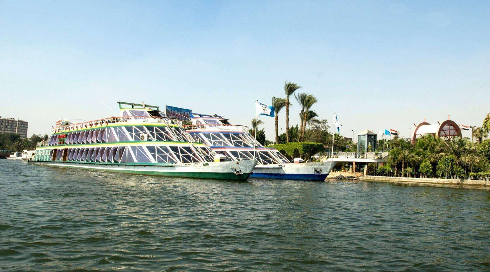 رحلة فاخرة في النيل المصري