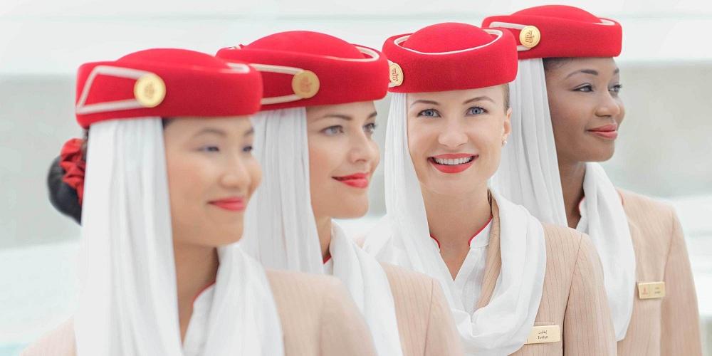 مضيفة بطيران الإمارات أفضل منتجات التجميل