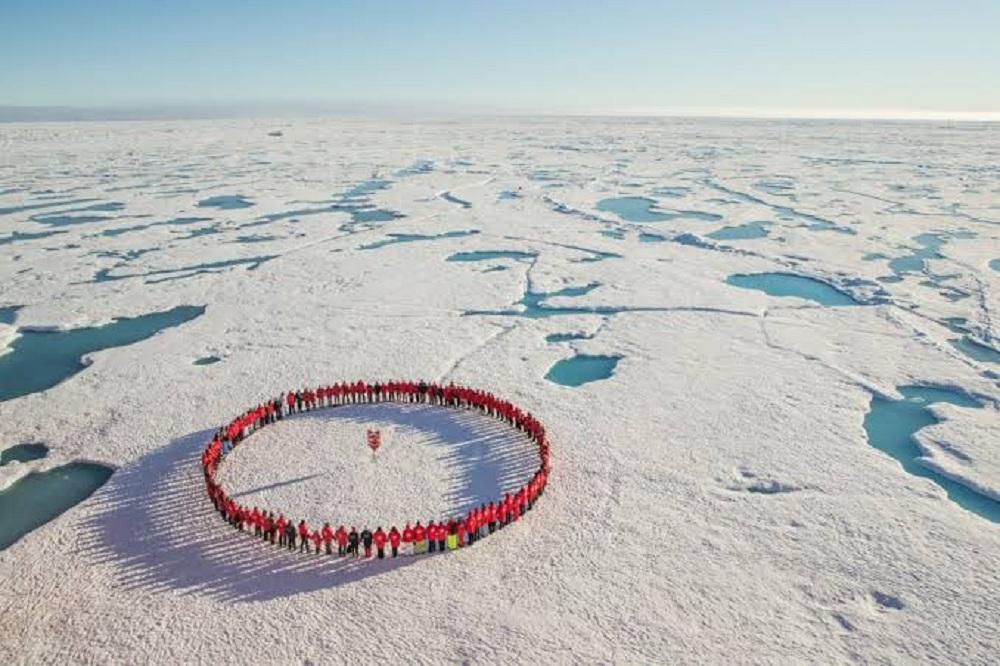100000 دولار للشخص بفندق بالقطب الشمالي