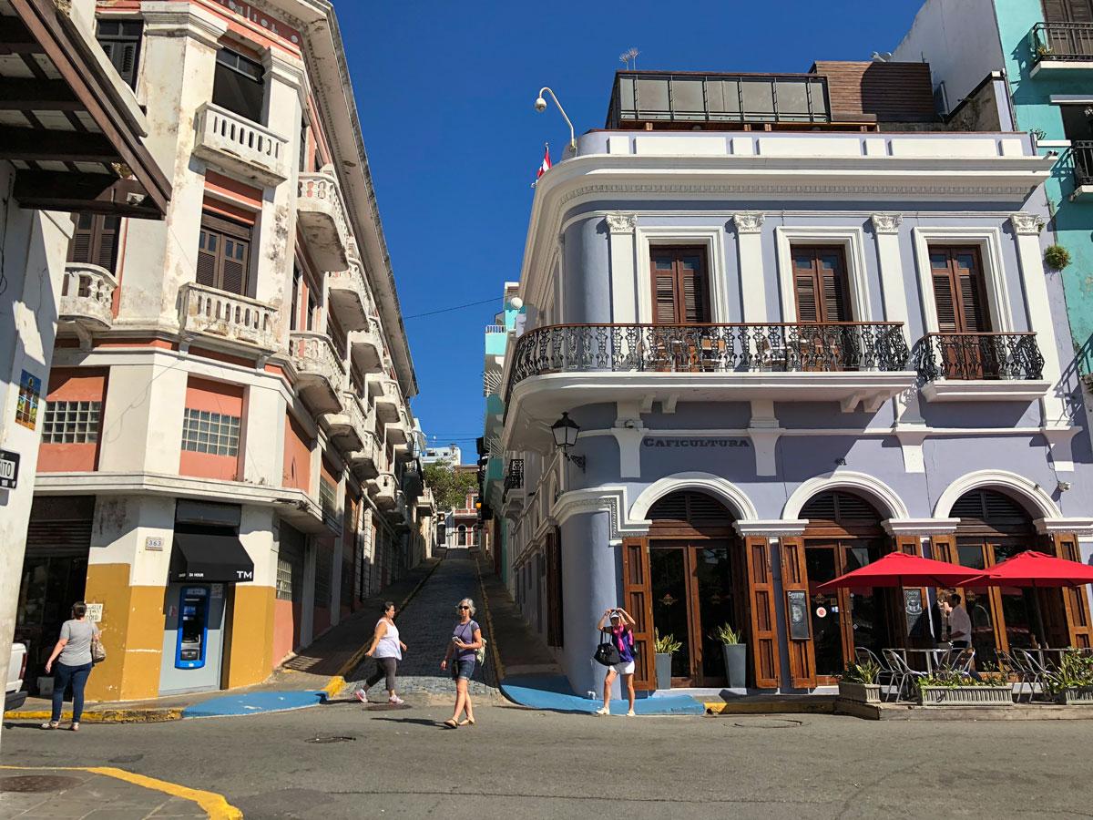 ارتفاع عدد تسجيلات الفنادق بين السكان المحليين في بورتوريكو