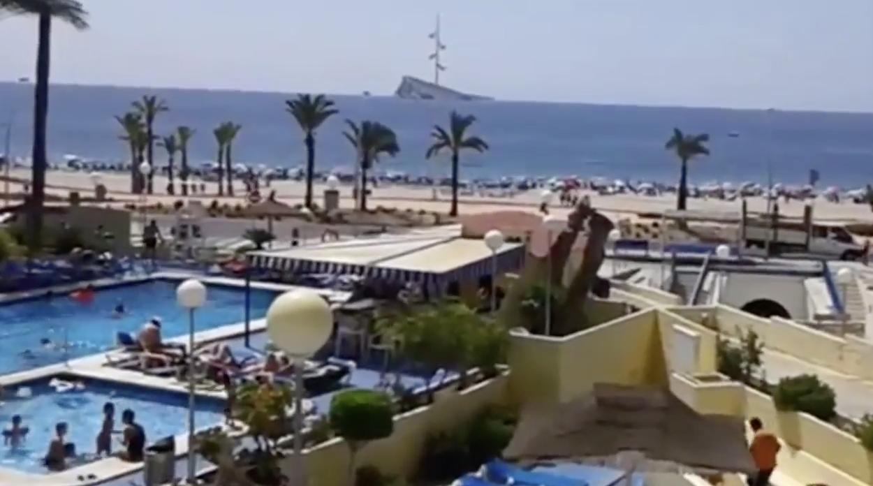 الاتحاد الإسباني للفنادق يحذر من تدمير عطل 1.3 مليون زائر بريطاني