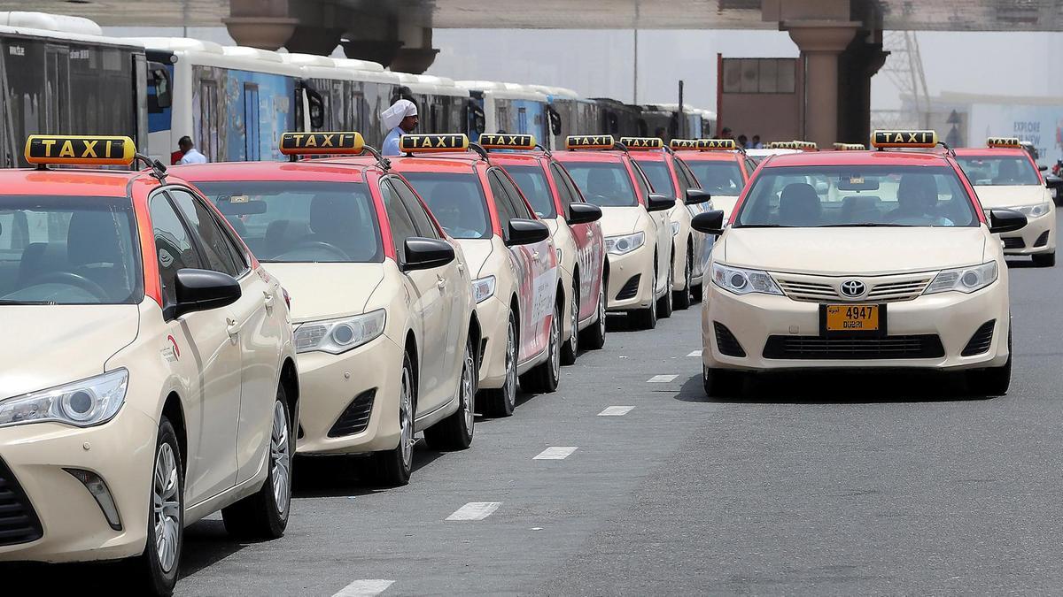 التنقل بالتاكسي في دبي