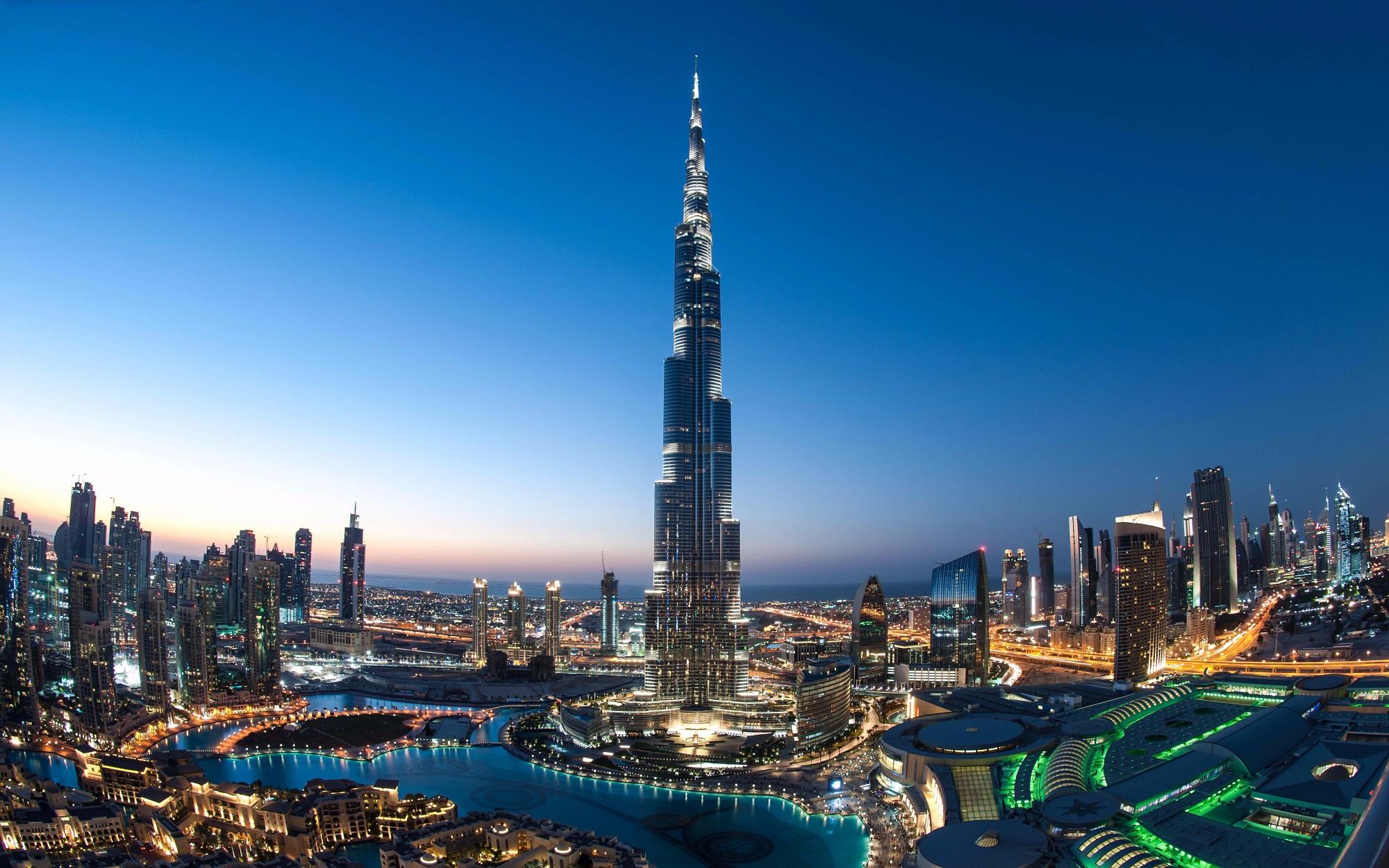 رحلة بحرية إلى برج خليفة