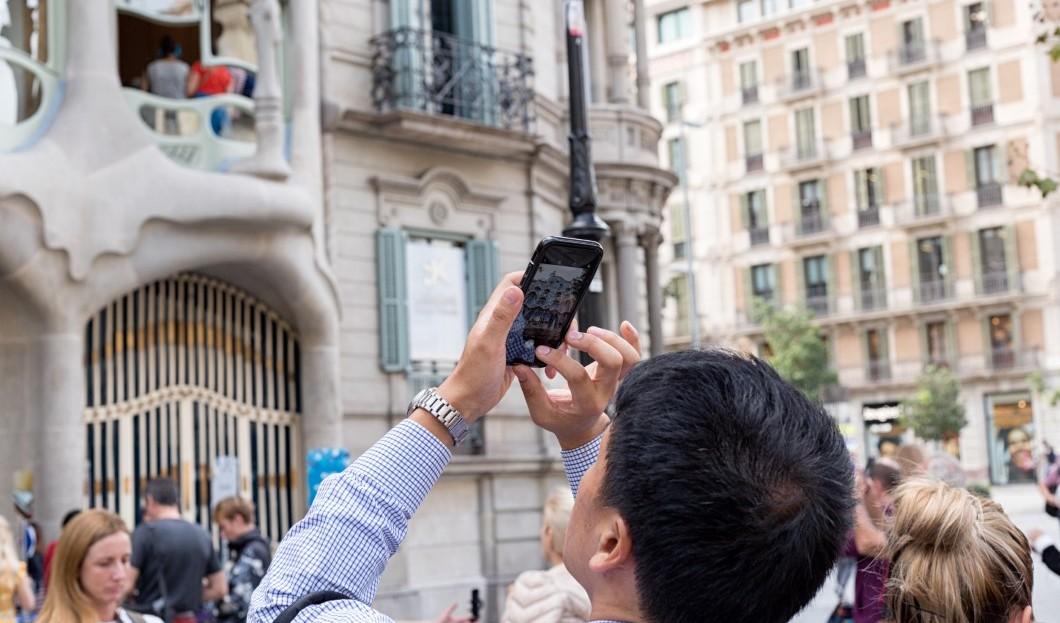 توقعات بتغلب صناعة السياحة على الوضع في برشلونا
