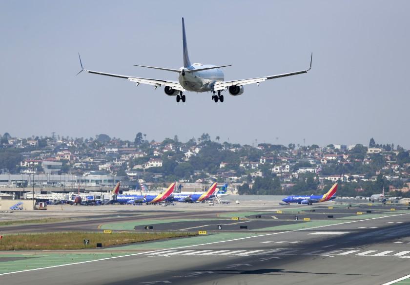 إزالة الكربون شرطا أساسيا لترخيص المطارات للاستثمار