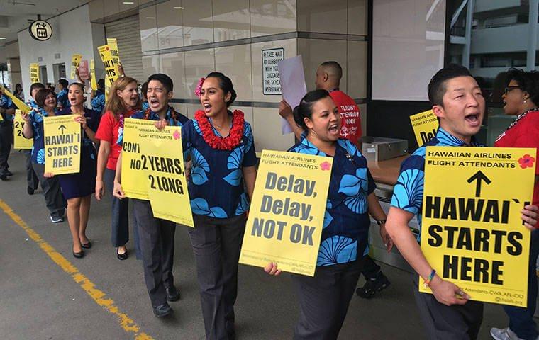 إضراب طاقم مضيفو الخطوط الجوية هاواي يهدد موسم العطلات