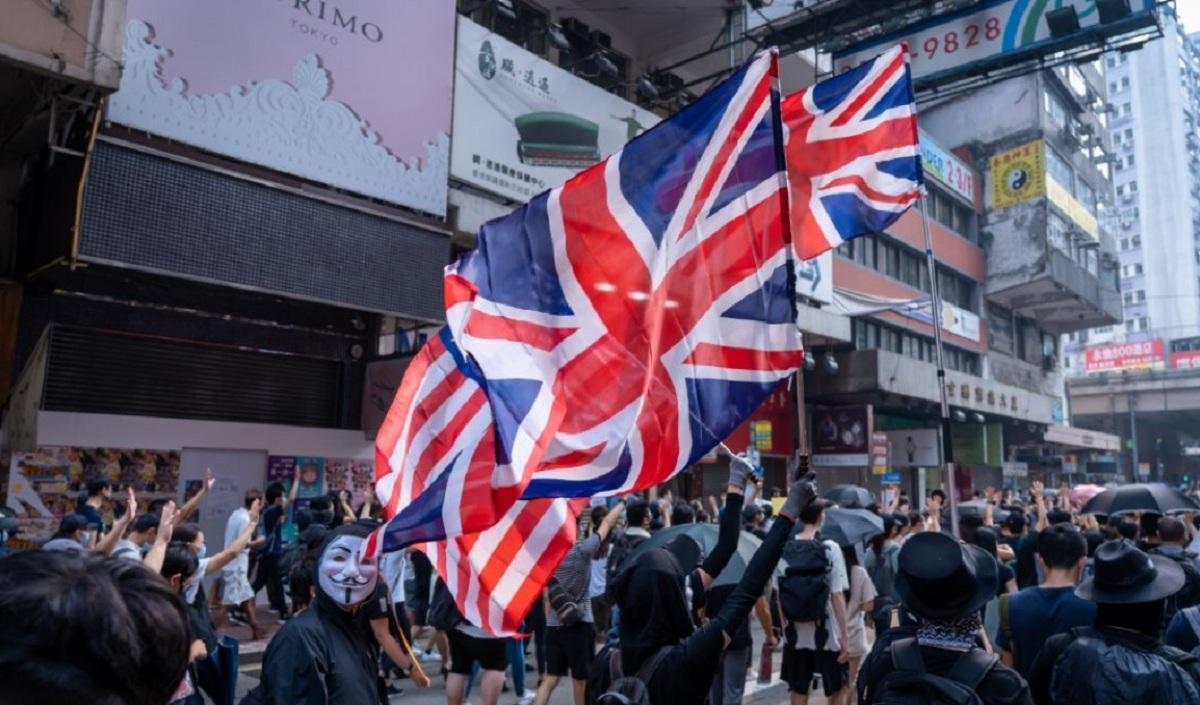 التأثير الاقتصادي للاحتجاجات في هونغ كونغ يقود إلى التراجع