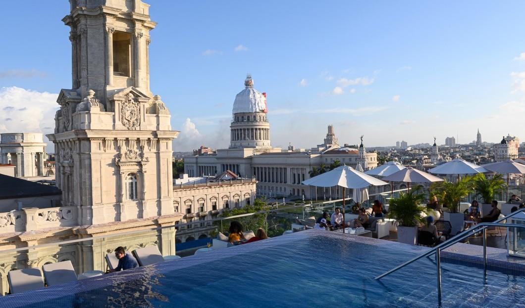 السياحة الكوبية تسقط بشكل درامي