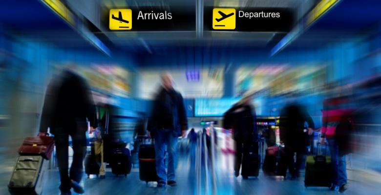 تأثير مقصد السفر على تجربة المطار