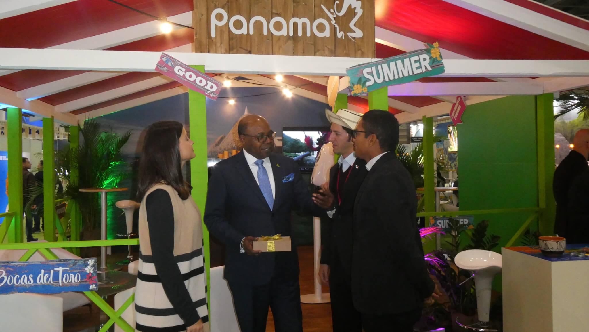 جامايكا وبنما يتعاونان لإنشاء ترتيب متعدد الوجهات