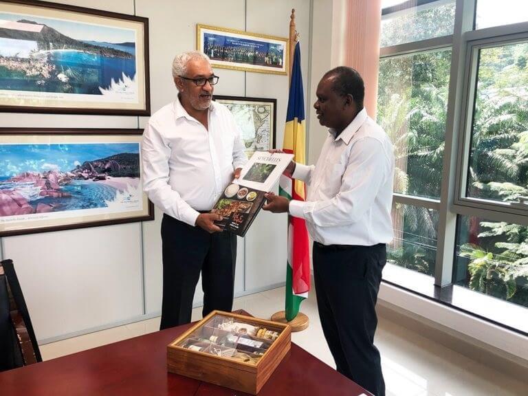 جمعية جزر فانيلا واتحاد ريونيون للسياحة يوقعان اتفاقية شراكة