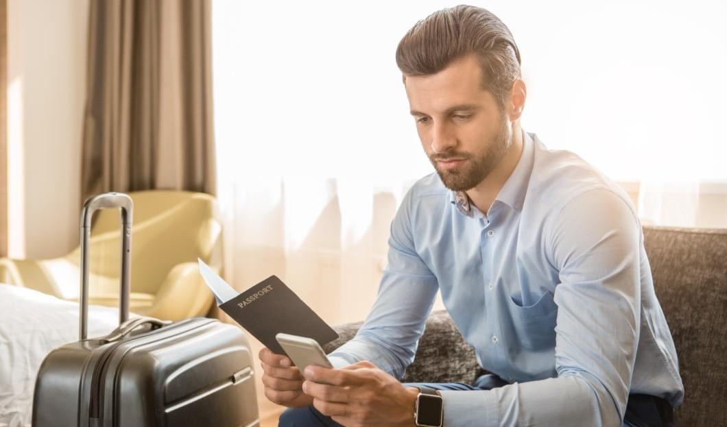 دراسة: رجال الأعمال الأمريكيين الذين يسافرون بشكل متكرر هم الأكثر قلقًا