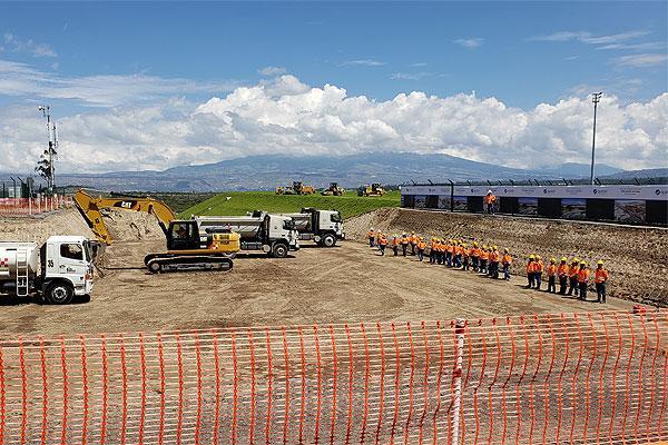 كويبورت تبدأ توسيع مطار كيتو الدولي
