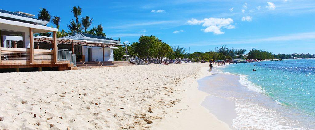 نمو قطاع الإقامة السياحية في جزر كايمان