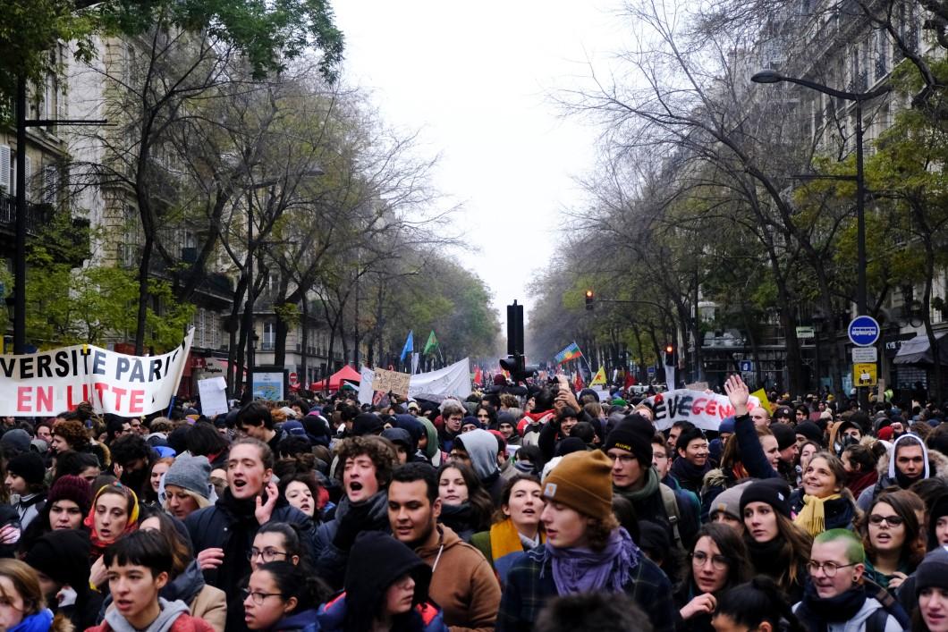 اضرابات فرنسا .. ما هو التأثير على السياحة الباريسية؟