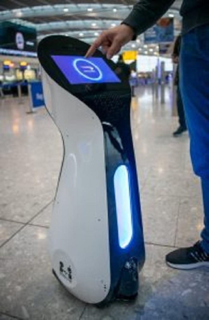 الخطوط الجوية البريطانية تجرب الروبوتات لتوجيه العملاء عبر المطار