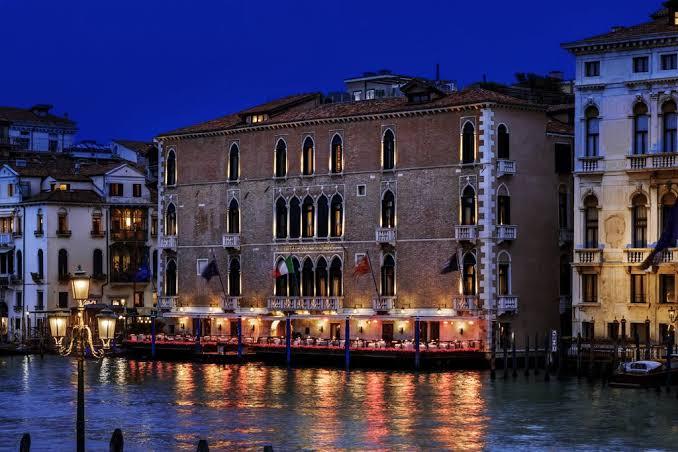 رابطة الفنادق في فينيسيا تحث السياح على العودة