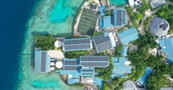 سنتارا تحول أسطح منازل منتجع مالديفز إلى مصدر مستدام للطاقة الشمسية