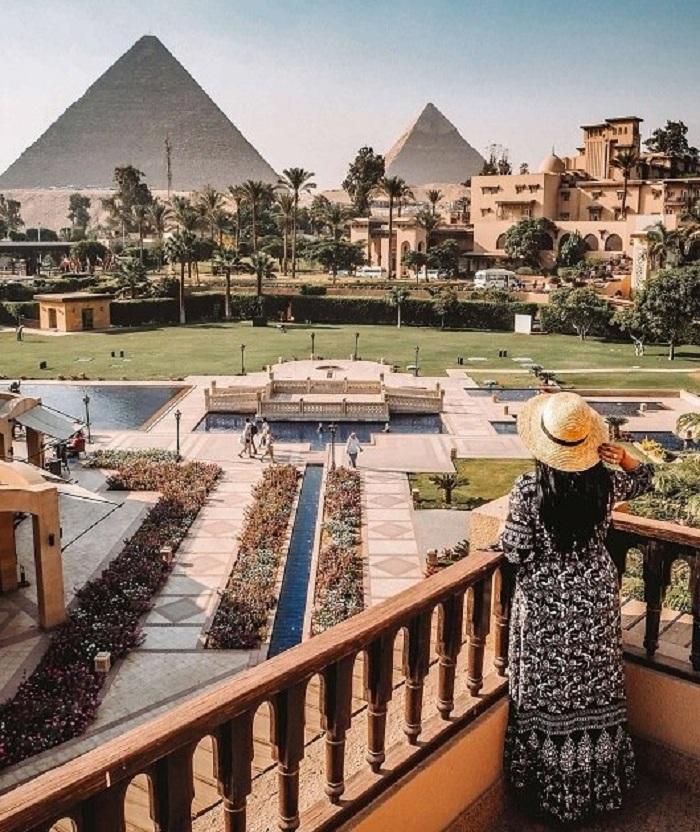 مصر تنجو من انتهاء طفرة الأرباح في فنادق الشرق الأوسط وشمال إفريقيا