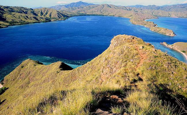 استمتع برحلة بحرية في جزر كومودو