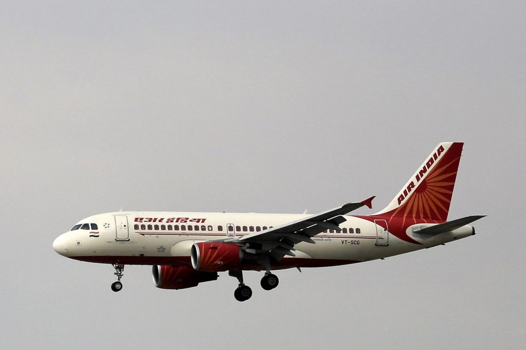 الحكومة الهندية تعتزم بيع حصتها في شركة طيران الهند الوطنية