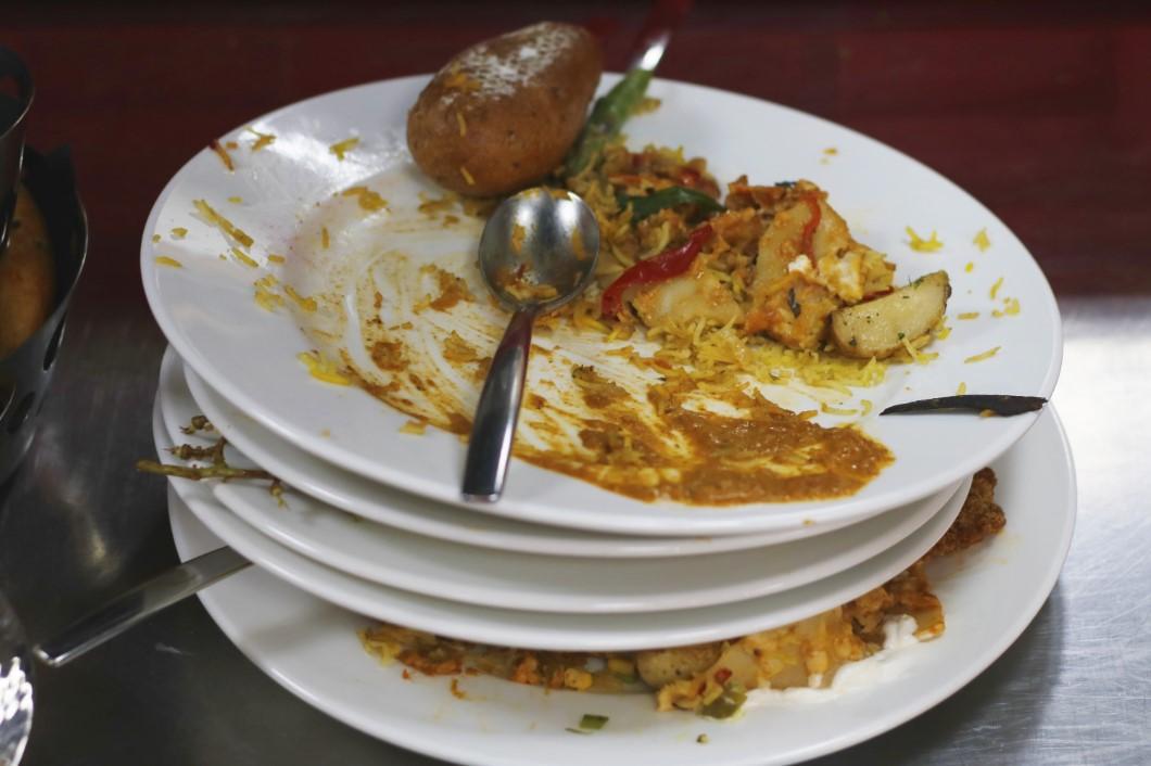 النفايات الغذائية .. هل يجب أن تقلق صناعة السياحة؟