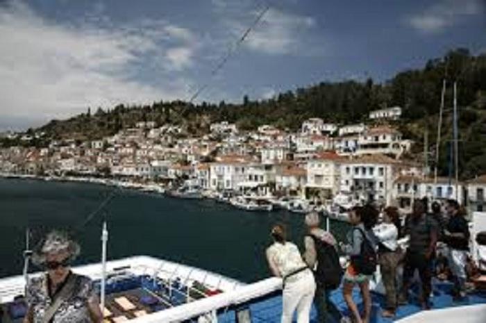 اليونان تأمل في مزيد من النمو في السياحة السياحية