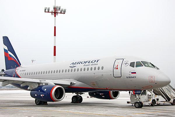 ايرفلوت تتسلم أول خمس طائرات من مائة طائرة طراز SSJ100