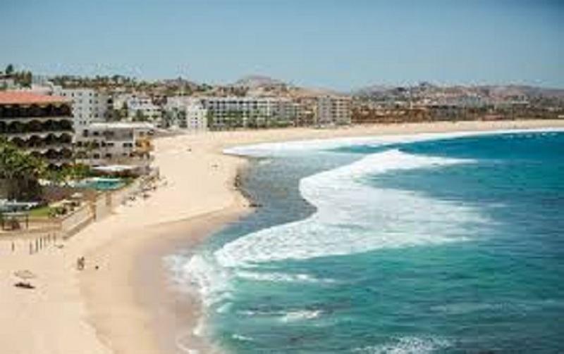 باجا كاليفورنيا سور المكسيكية تشهد وصول أكثر من أربعة ملايين زائر