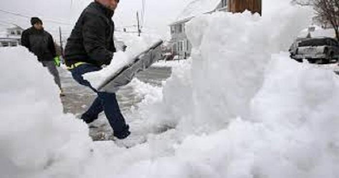 عاصفة الشتاء وسقوط الثلج على أجزاء من الولايات المتحدة ..تعطل خطط السفر