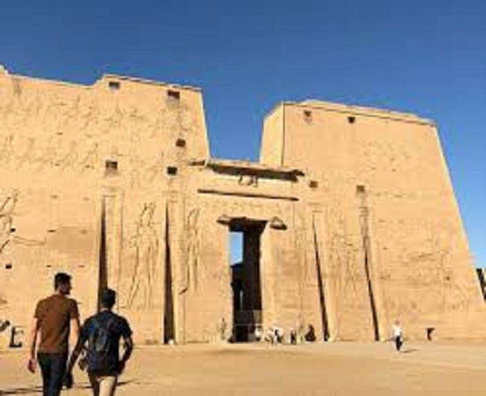 مصر للسياحة.. من المتوقع أن يزور مصر أكثر من 15 مليون سائح في عام 2020