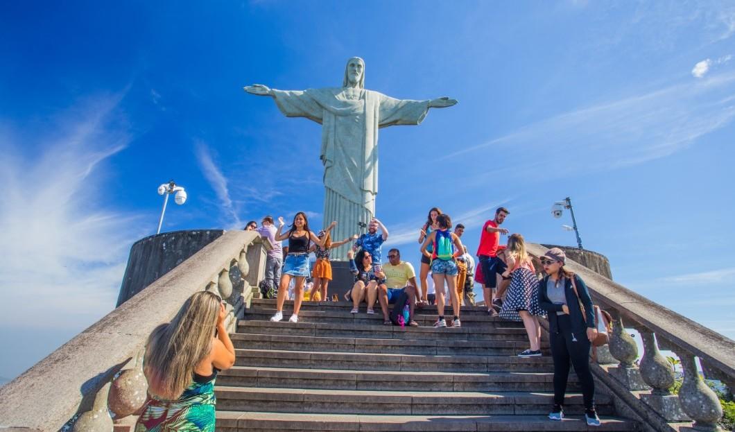 تأشيرة فيزا تعززت أعداد السياح إلي البرازيل