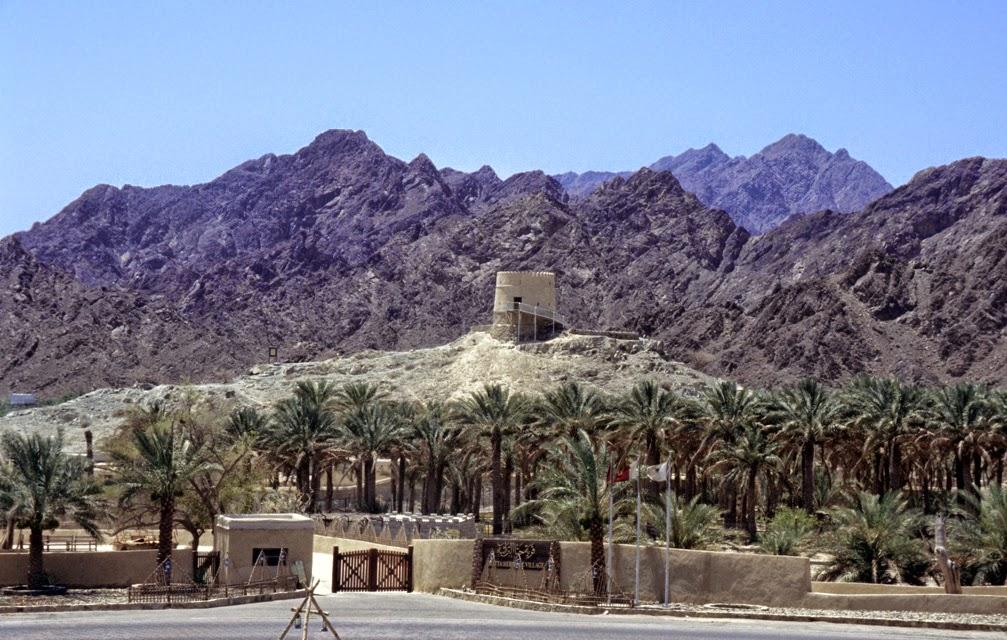 زيارة قرية حتا التراثية و جولة في الصحراء انطلاقاً من دبي