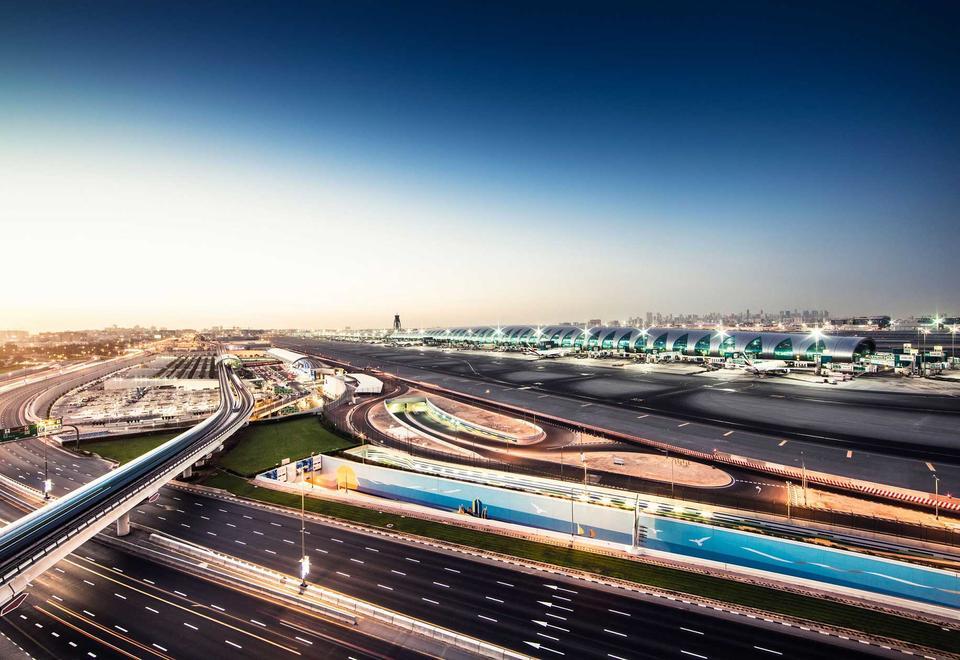 الإمارات تمنع دخول مواطني دول مجلس التعاون الخليجي