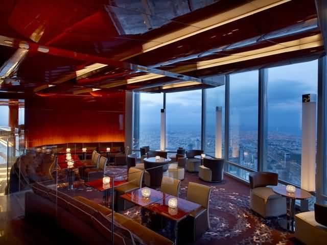 برج خليفة عشاء في مطعم ارماني