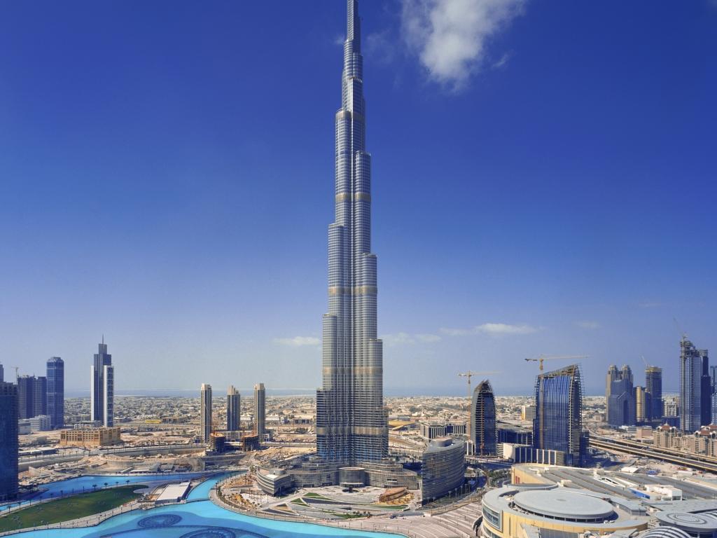 برج خليفة وحوض اسماك دبي رحلة لا تعوض