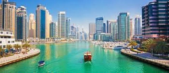 جولة بحرية فاخرة في دبي مارينا