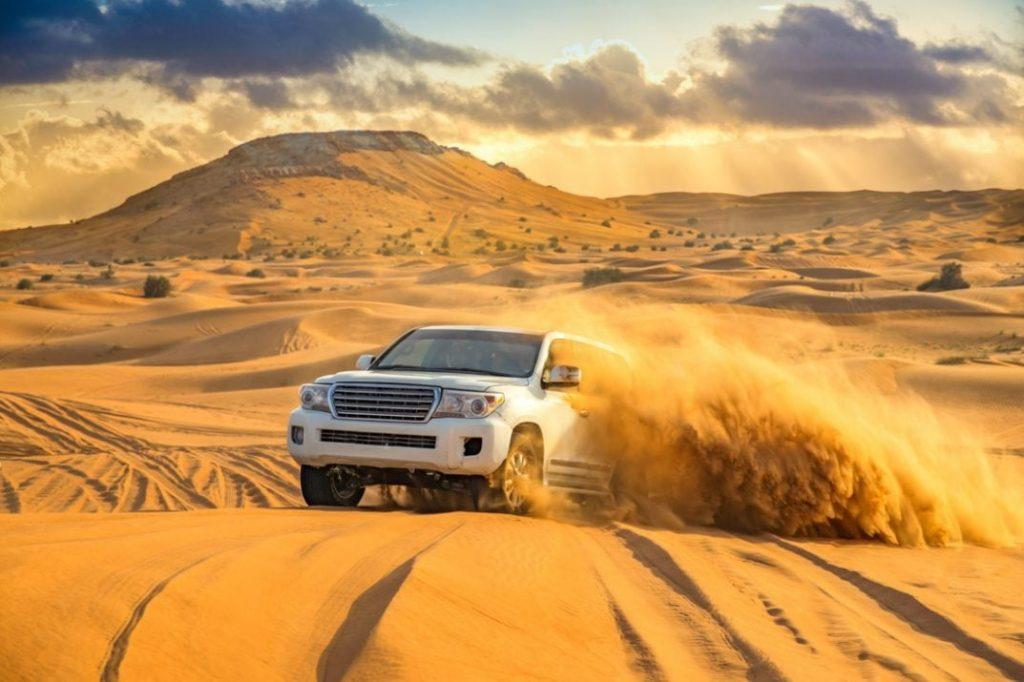 جولة في دبي مع سفاري الصحراء المسائي