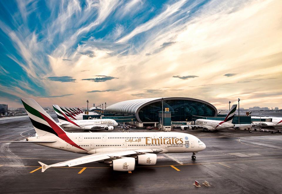 طيران الإمارات تعلق رحلاتها إلى 30 وجهة