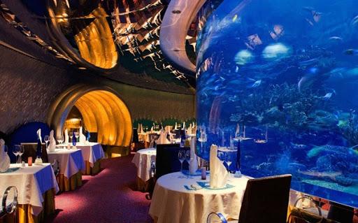 مطعم المحارة وأكثر الفنادق شهرة حول العالم