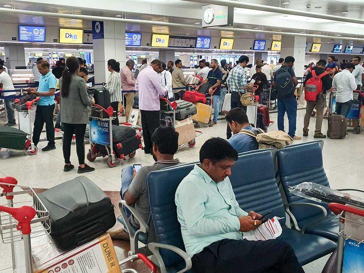 البعثات الهندية في الإمارات تجمع بيانات الهنود الراغبين في العودة إلى ديارهم