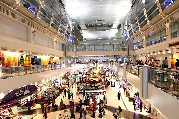 دبي تستوعب الركاب العالقين في فنادق المطارات