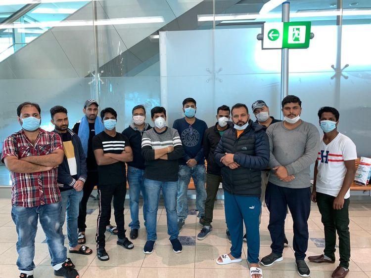 19 هنديًا عالقون في مطار دبي منذ مدة ثلاثة أسابيع