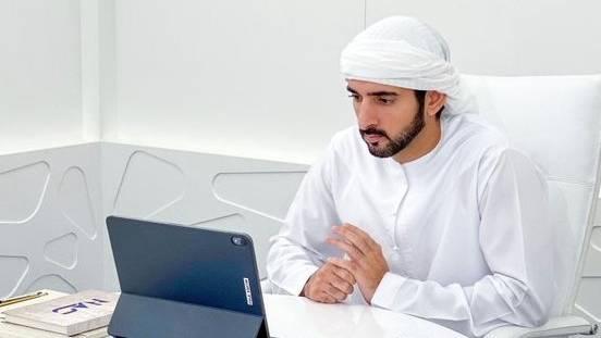 الشيخ حمدان يشكر عمال الخطوط الجوية الإماراتية والمواطنين والمقيمين
