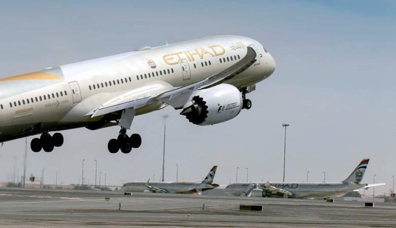 شركة طيران ويز أبوظبي المشتركة تبدأ رحلاتها هذا العام