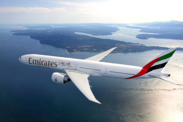 طيران الإمارات تشغل رحلات ركاب محدودة خلال الشهر الحالي