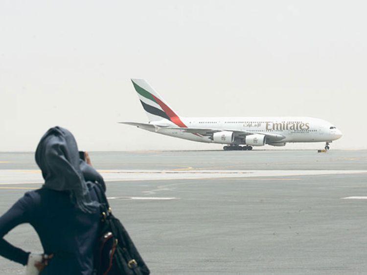 طيران الإمارات تعلن عن تشغيل رحلة طيران محدودة للإماراتيين