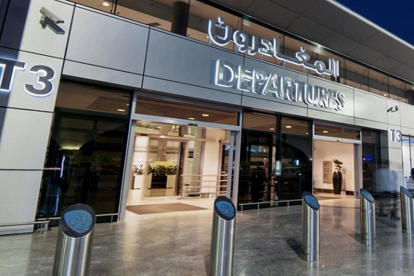 مطارات أبوظبي تنشر روبوت جديد لخدمة التطهير
